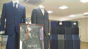 オーダーメイドスーツ展示販売会場の様子1