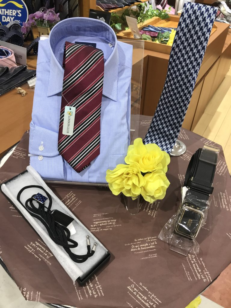 父の日のプレゼントにおすすめ!ネクタイ、ワイシャツ、ベルト