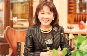 日本を代表するデザイナーで、トルコでの活躍・名声も著しい松井久子先生。彼女のデザインは、東西融合の地イスタンブールを彷彿とさせ、その優れたデザインは世界でも認められている。